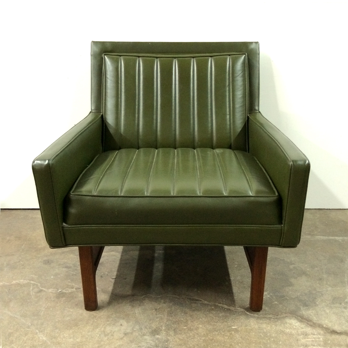 ... Milo Baughman Chair Front